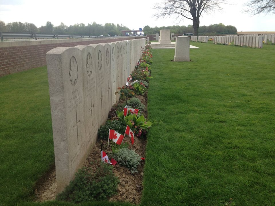 A 15th Batt. mass grave from Vimy at Nine Elms. Vimy, April 1917