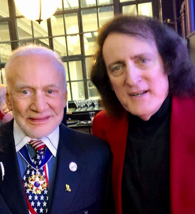 Tommy James meeting Buzz Aldrin at the New Jersey Hall Of Fame Gala